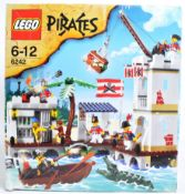 LEGO SET - LEGO PIRATES - 6242 - SOLDIERS FORT