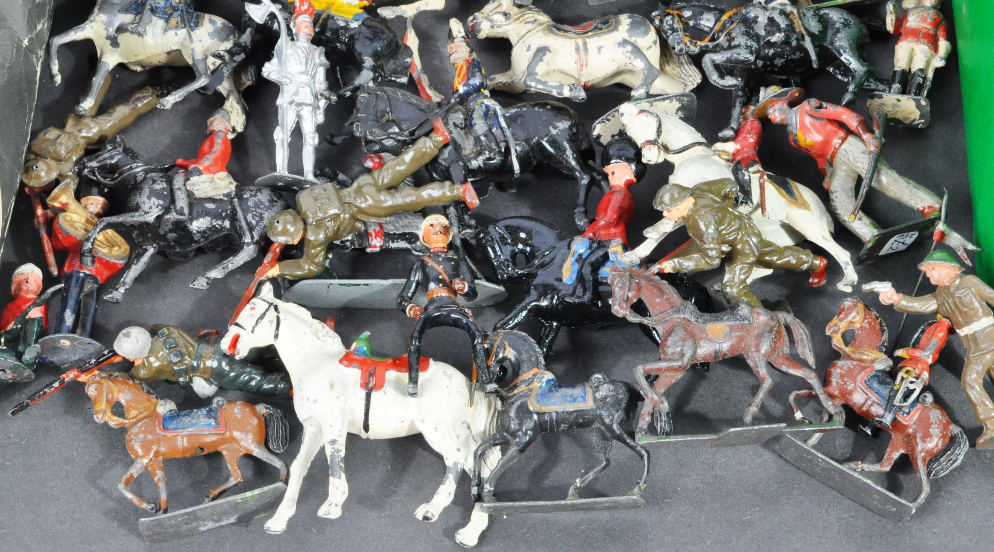 LEAD SOLDIERS - LARGE COLLECTION OF VINTAGE LEAD SOLDIERS - Image 3 of 7