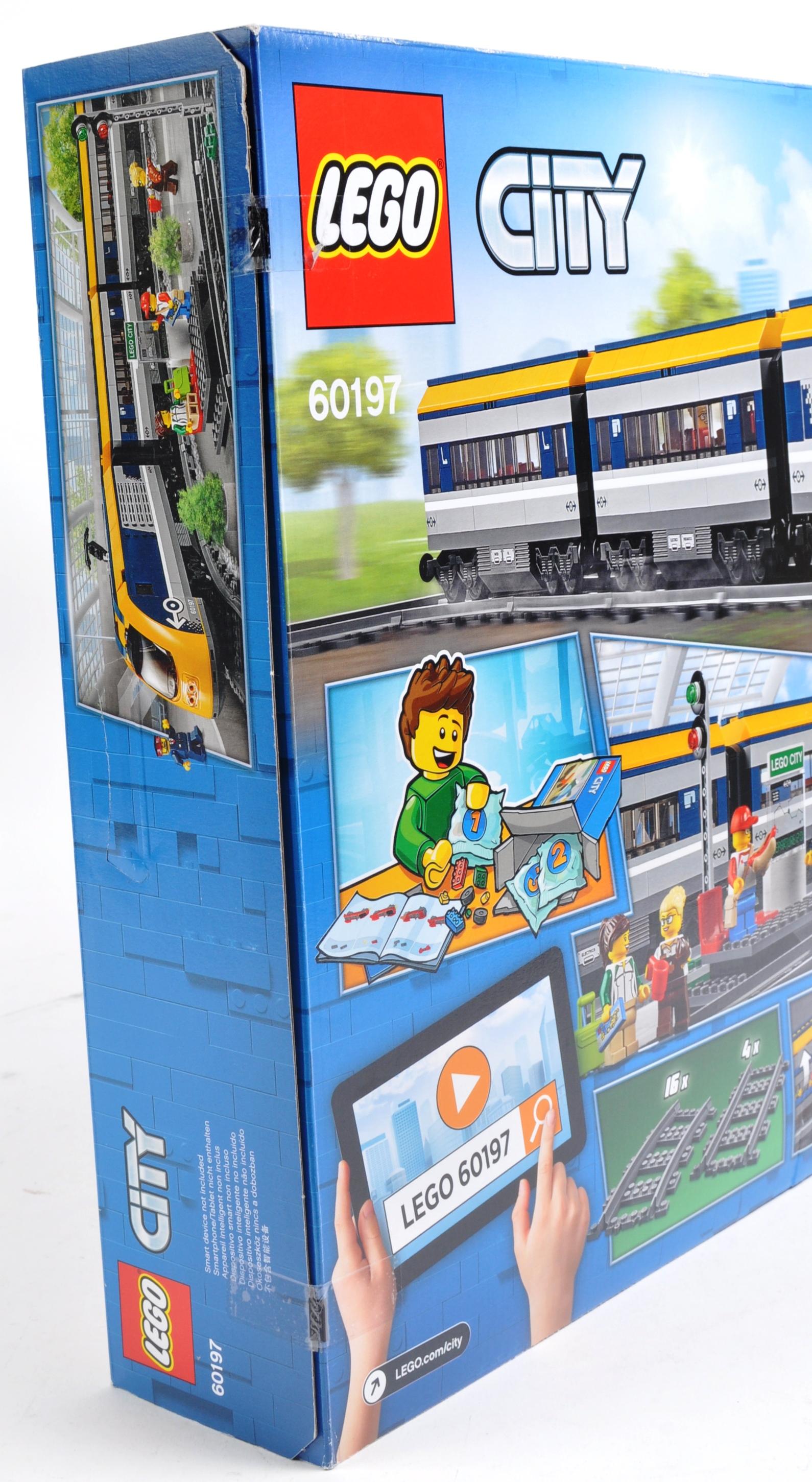LEGO SET - LEGO CITY - 60197 - PASSENGER TRAIN - Image 4 of 4