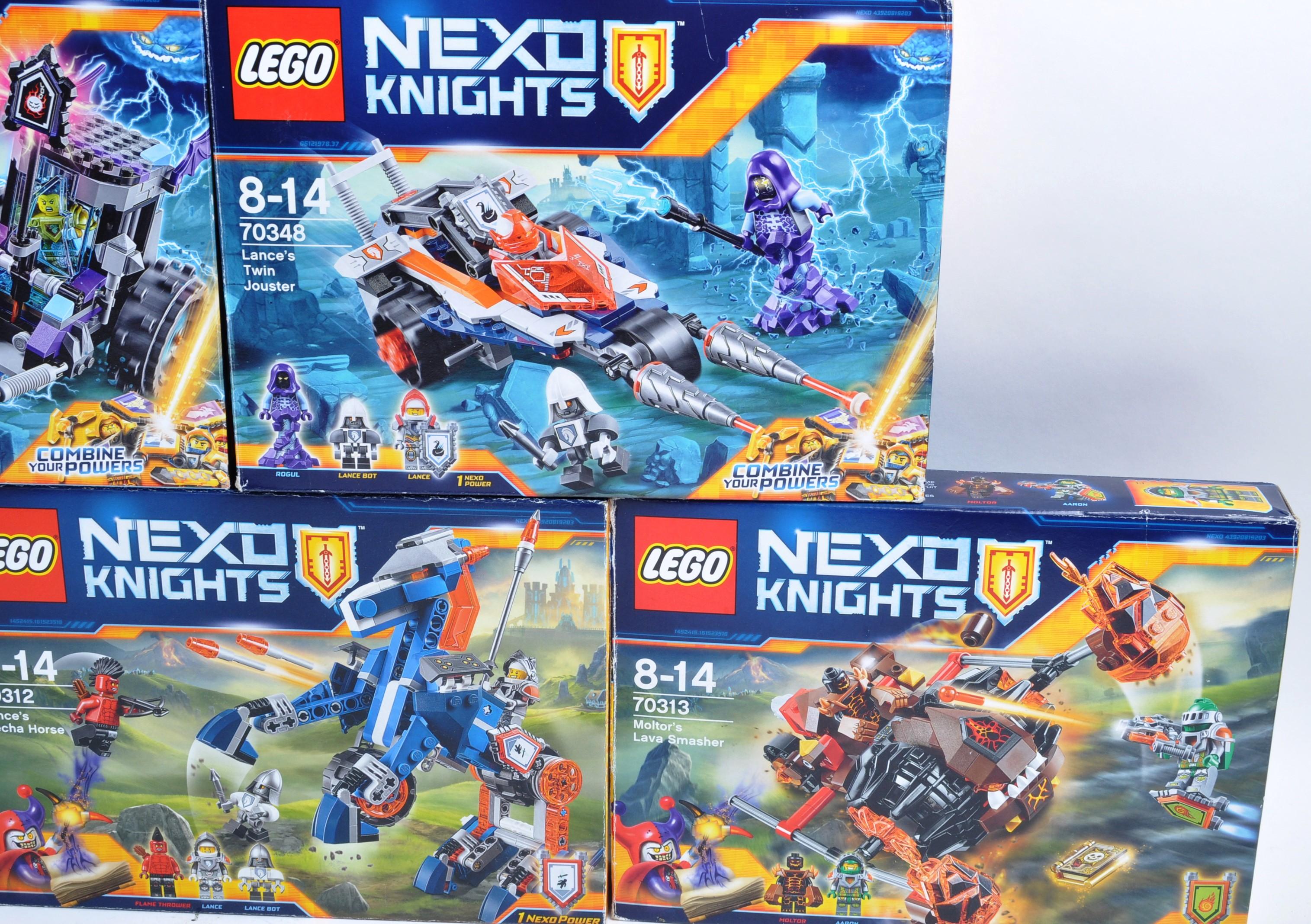 LEGO SETS - LEGO NEXO KNIGHTS - Image 3 of 6