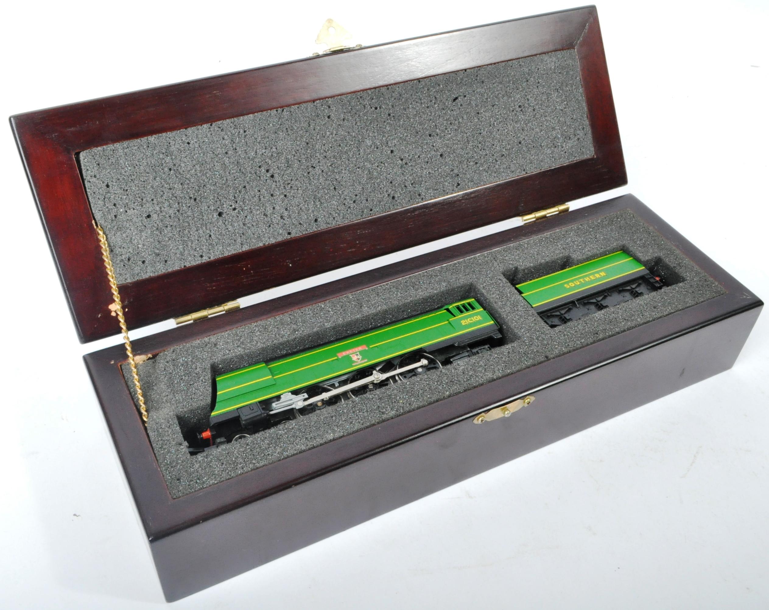 ORIGINAL HORNBY 00 GAUGE MODEL RAILWAY TRAINSET LOCOMOTIVE - Image 5 of 5