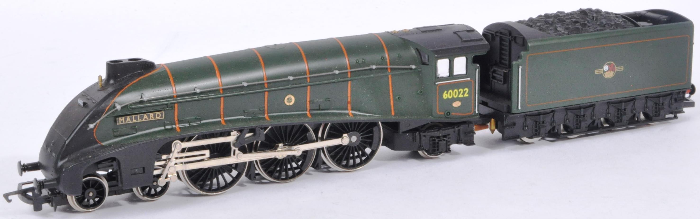 TWO ORIGINAL VINTAGE HORNBY 00 GAUGE MODEL RAILWAY LOCOMOTIVES - Image 2 of 13