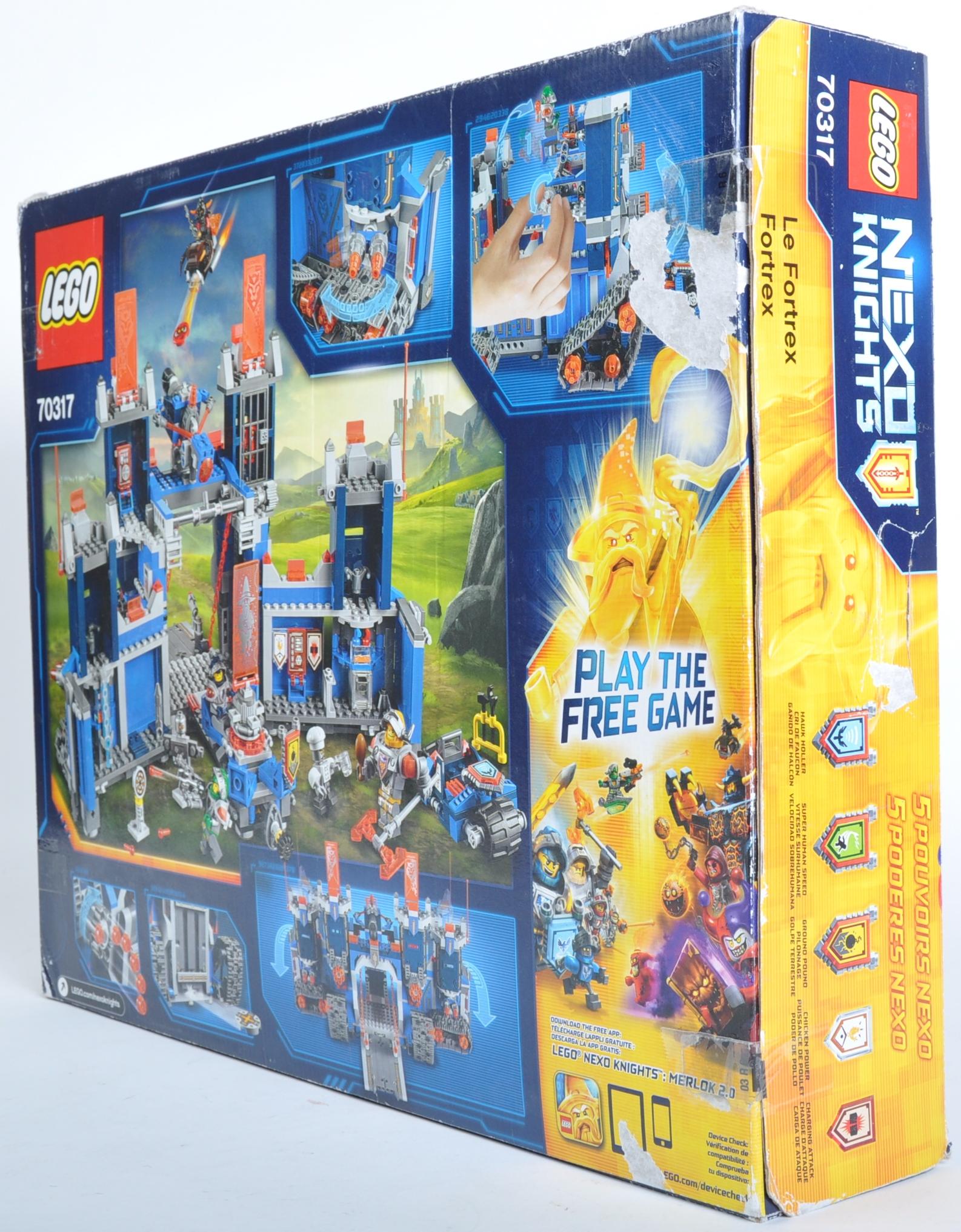 LEGO SET - LEGO NEXO KNIGHTS - 70317 THE FORTREX - Image 3 of 4