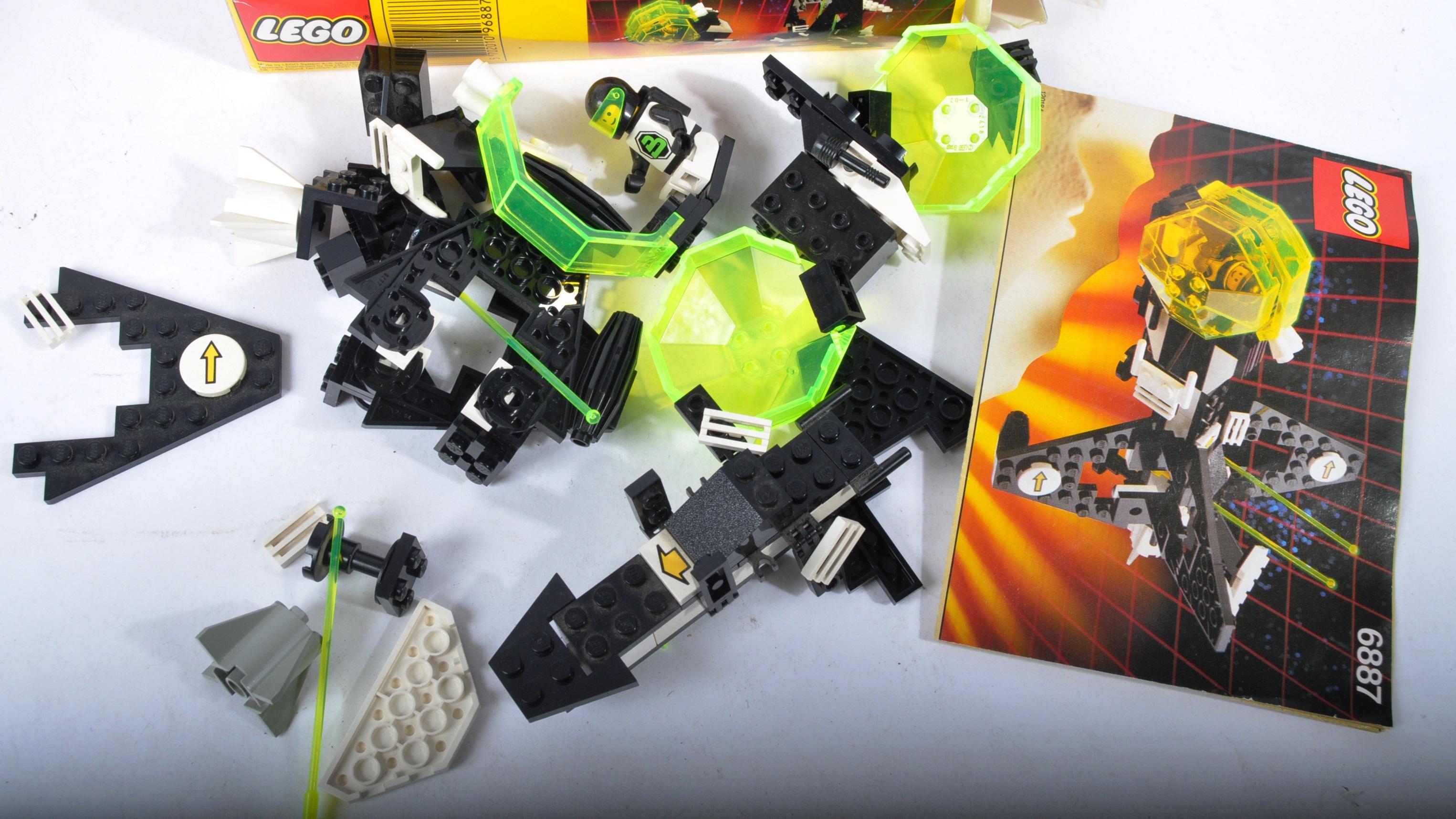LEGO SETS - BLACKTRON - 6832 / 6833 / 6851 / 6878 / 6887 - Image 8 of 10
