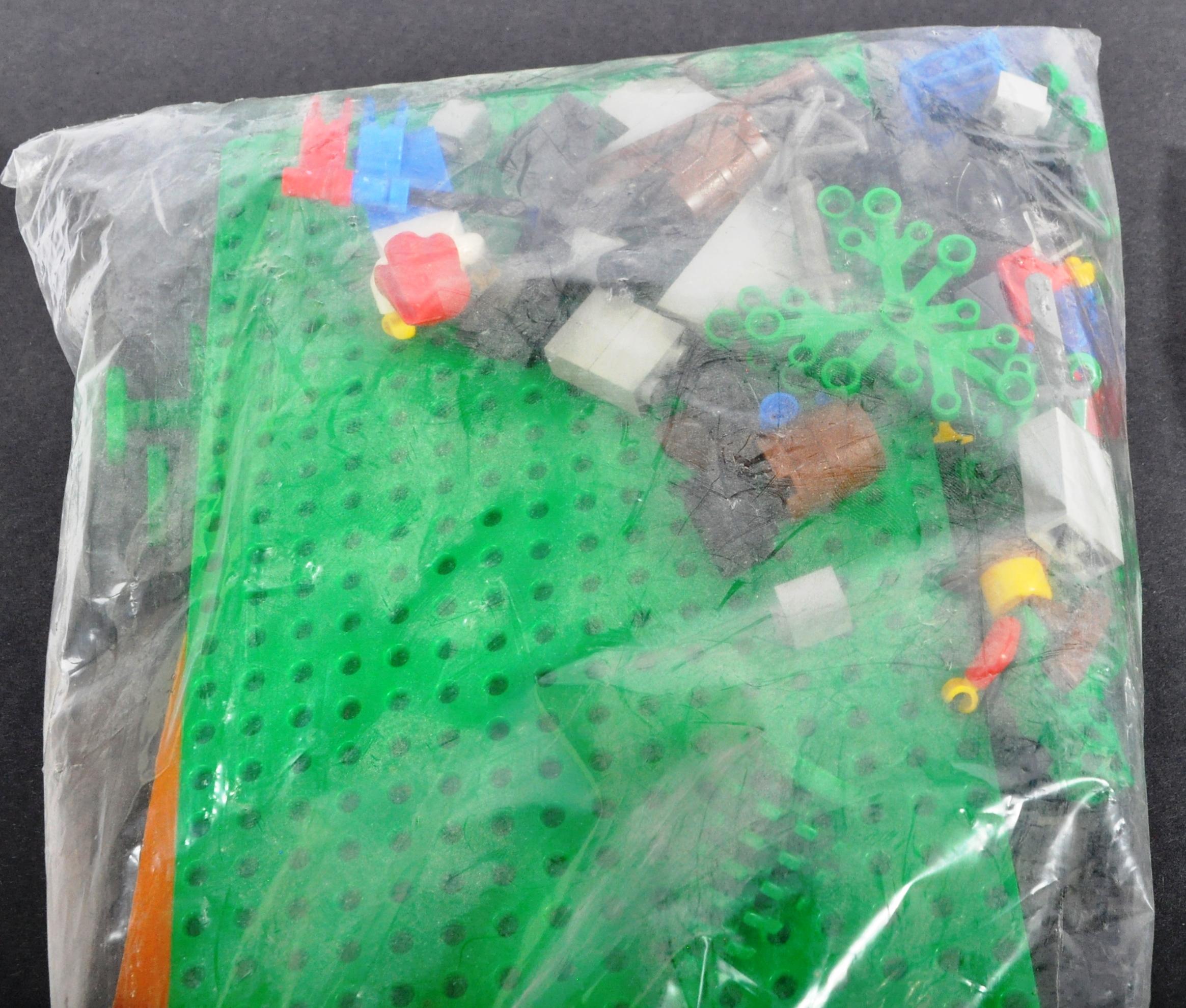 LEGO SETS - LEGO LAND - 6054 / 6245 / 6257 - Image 2 of 4