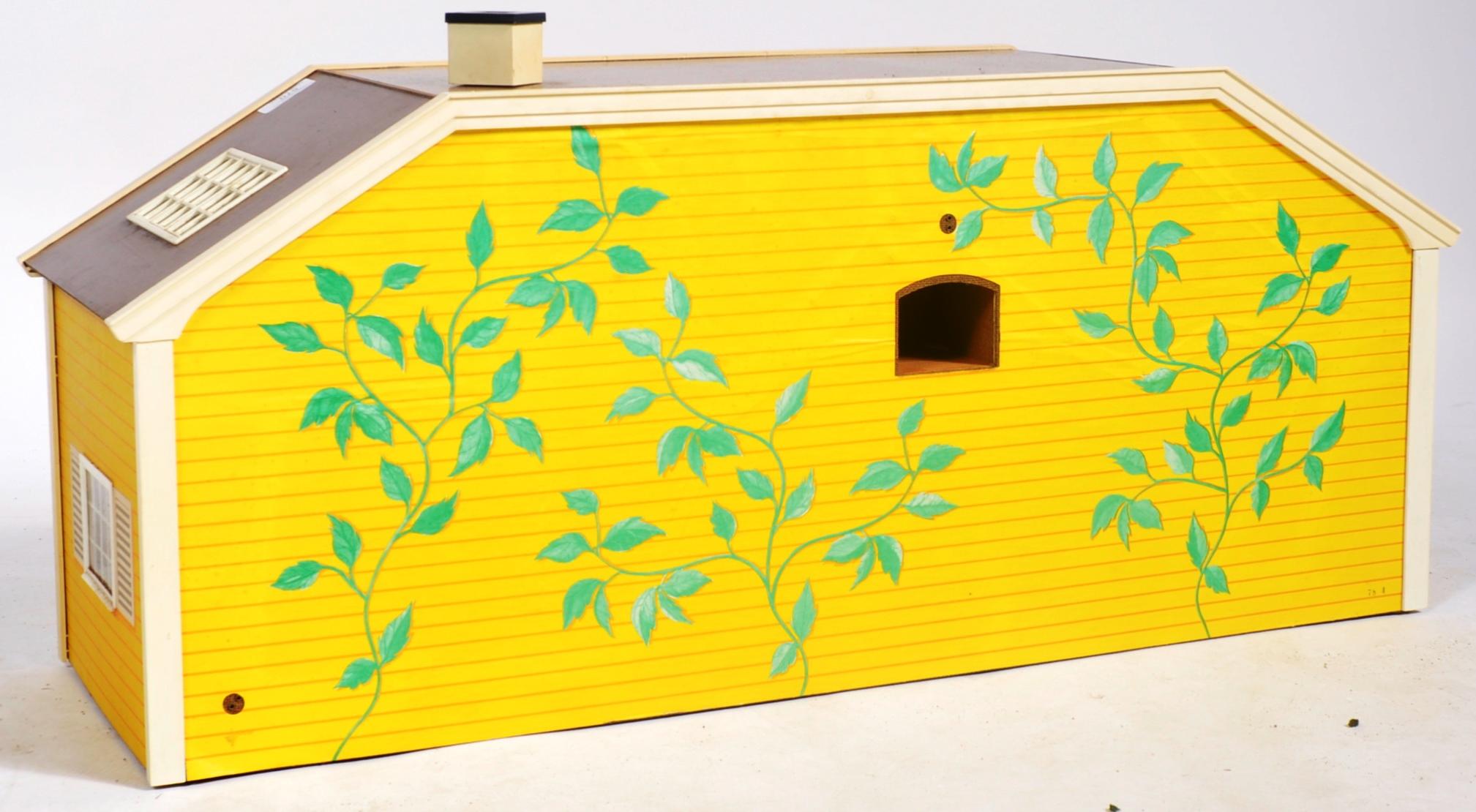 LARGE VINTAGE 1970S LUNDBY OF SWEDEN CHILD'S DOLLS HOUSE - Image 4 of 7
