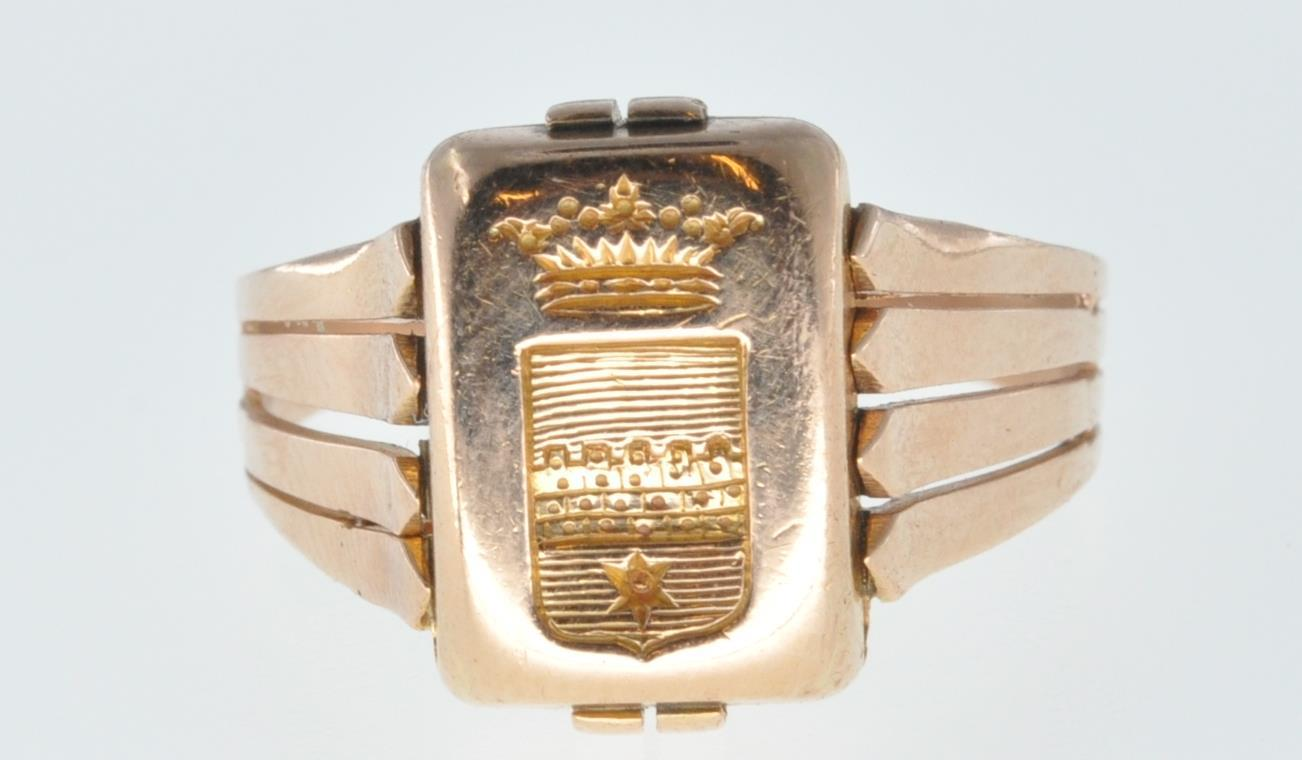 ANTIQUE FRENCH 18CT GOLD SIGNET RING