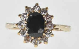 9CT GOLD AND SAPPHIRE CLUSTER RING