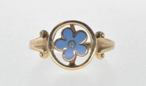 9CT GOLD AND ENAMELLED FLOWER RING.