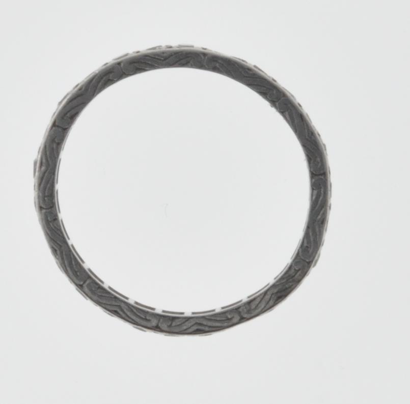 VINTAGE PLATINUM AND DIAMOND ETERNITY RING - Image 7 of 7