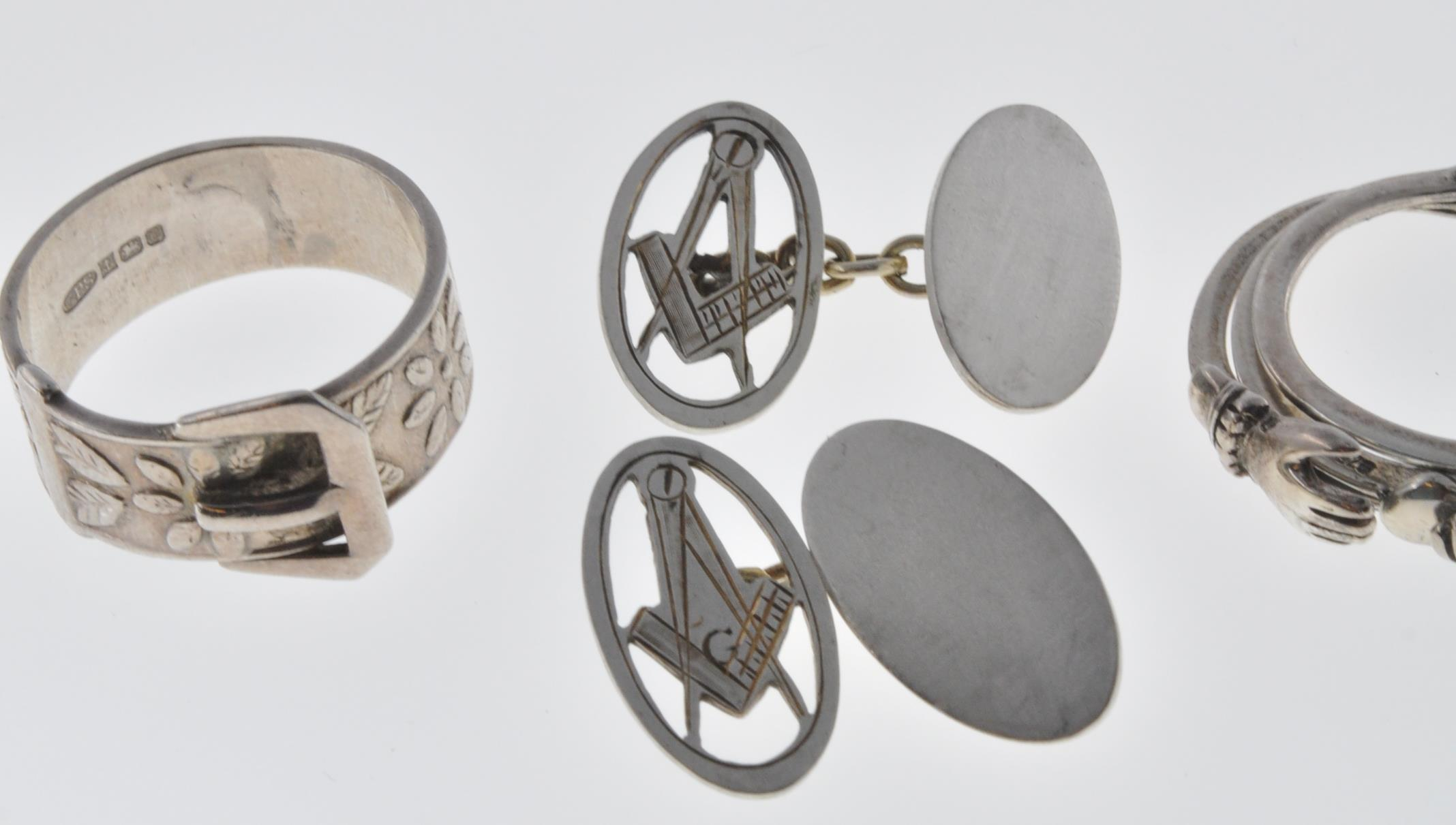VINTAGE MASONIC CUFFLINKS AND TWO SILVER RINGS - Image 4 of 7