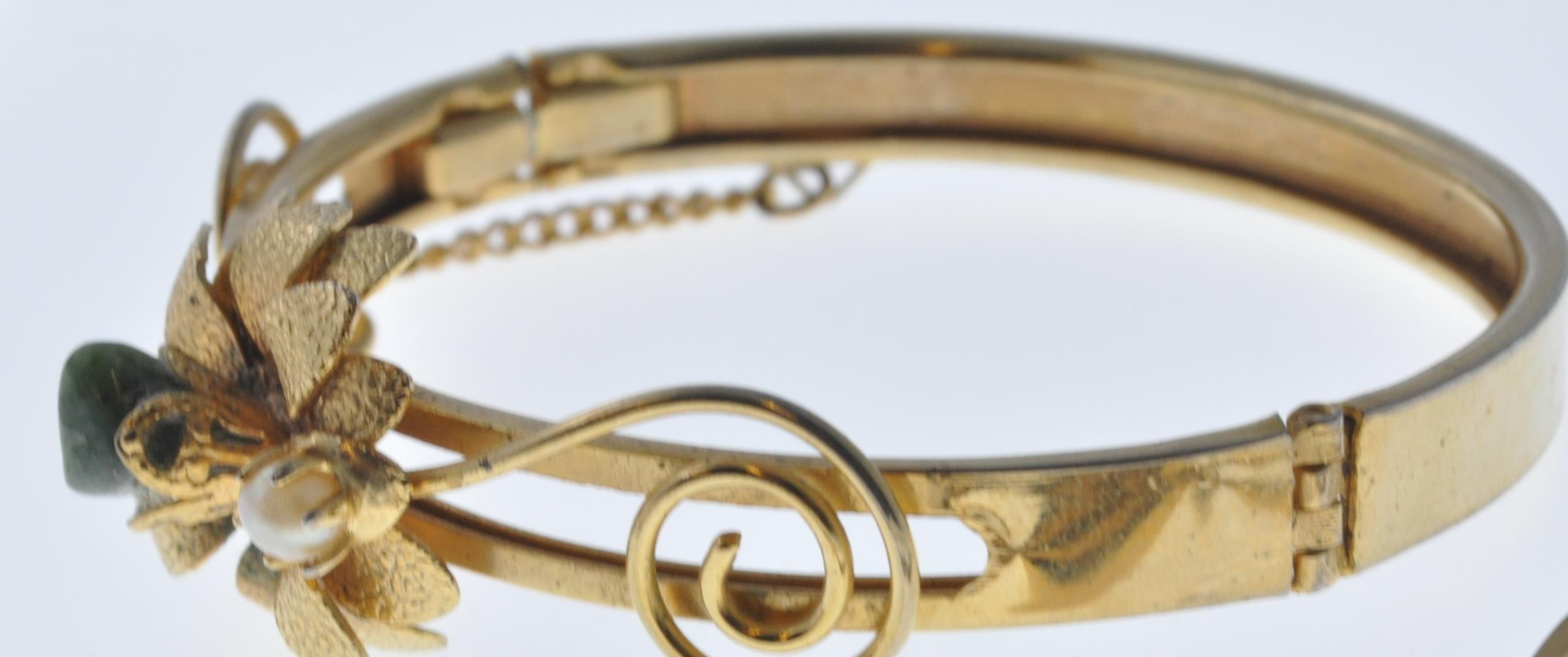VINTAGE BANGLE AND NECKLACE - Image 2 of 9