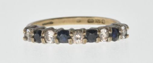9CT GOLD BLUE AND WHITE STONE RING