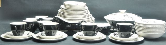 LARGE COLLECTION OF MID 20TH CENTURY HOMEMAKER / RIDGEWAY POTTERY CERAMIC DINNER WARE
