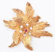 VINTAGE 1960'S 18CT GOLD HALLMARKED DIAMOND & RUBY BROOCH