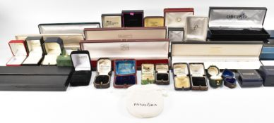 ASSORTMENT OF VICTORIAN & LATER JEWELLERY BOXES