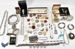COLLECTION OF VINTAGE FASHION JEWELLERY