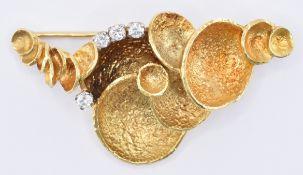 1960'S GOLD & DIAMOND BROOCH
