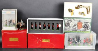 COLLECTION OF ASSORTED BRITAIN LEAD TOY SOLDIER FIGURES