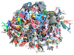 LARGE COLLECTION OF ASSORTED VINTAGE ACTION FIGURES