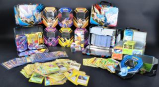 LARGE COLLECTION OF VINTAGE AND MODERN POKEMON CARDS