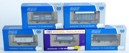 COLLECTION OF DAPOL 00 GAUGE MODEL RAILWAY ROLLING STOCK