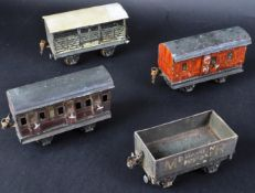 MARKLIN / A. W. GANAGE LTD - COLLECTION OF 0 GAUGE TINPLATE ROLLING STOCK