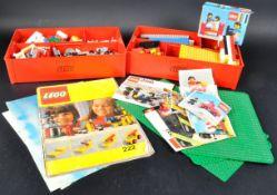 COLLECTION OF ASSORTED VINTAGE LEGOLAND BRICKS & MINIFIGURES
