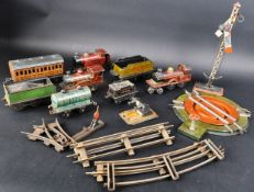 EARLY 20TH CENTURY BING / GERMAN MADE 0 GAUGE MODEL RAILWAY