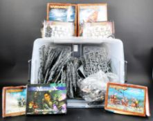 COLLECTION OF ASSORTED WARHAMMER VINTAGE FIGURES