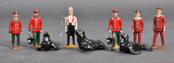 COLLECTION OF BRITAINS LEAD CIRCUS / ZOO FIGURES