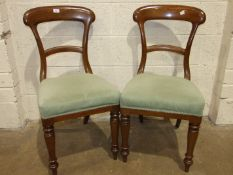 A set of six Victorian mahogany bar-back dining chairs on turned front legs, (6).