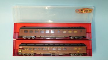 Rivarossi HO gauge, Pennsylvania coaches: 2736 Dining Car and 2735 Observation car, both boxed, (2).