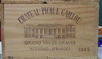 Chateau Picque Caillou Graves 1985, twelve bottles in original wooden crate, (12).