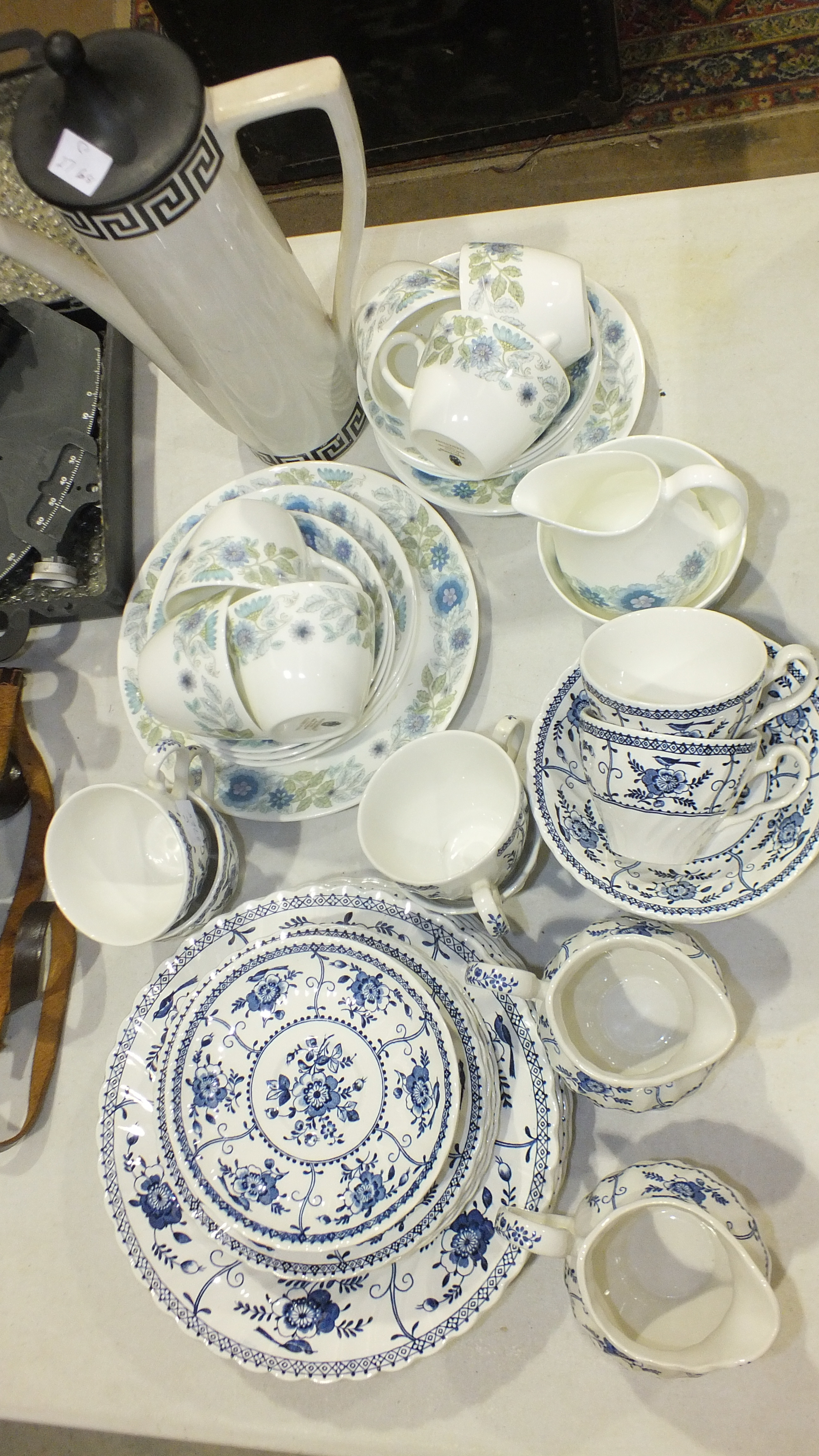 Nineteen pieces of Wedgwood 'Clementine' tea ware, thirty-two pieces of Johnson Bros 'Indies' tea - Image 3 of 3