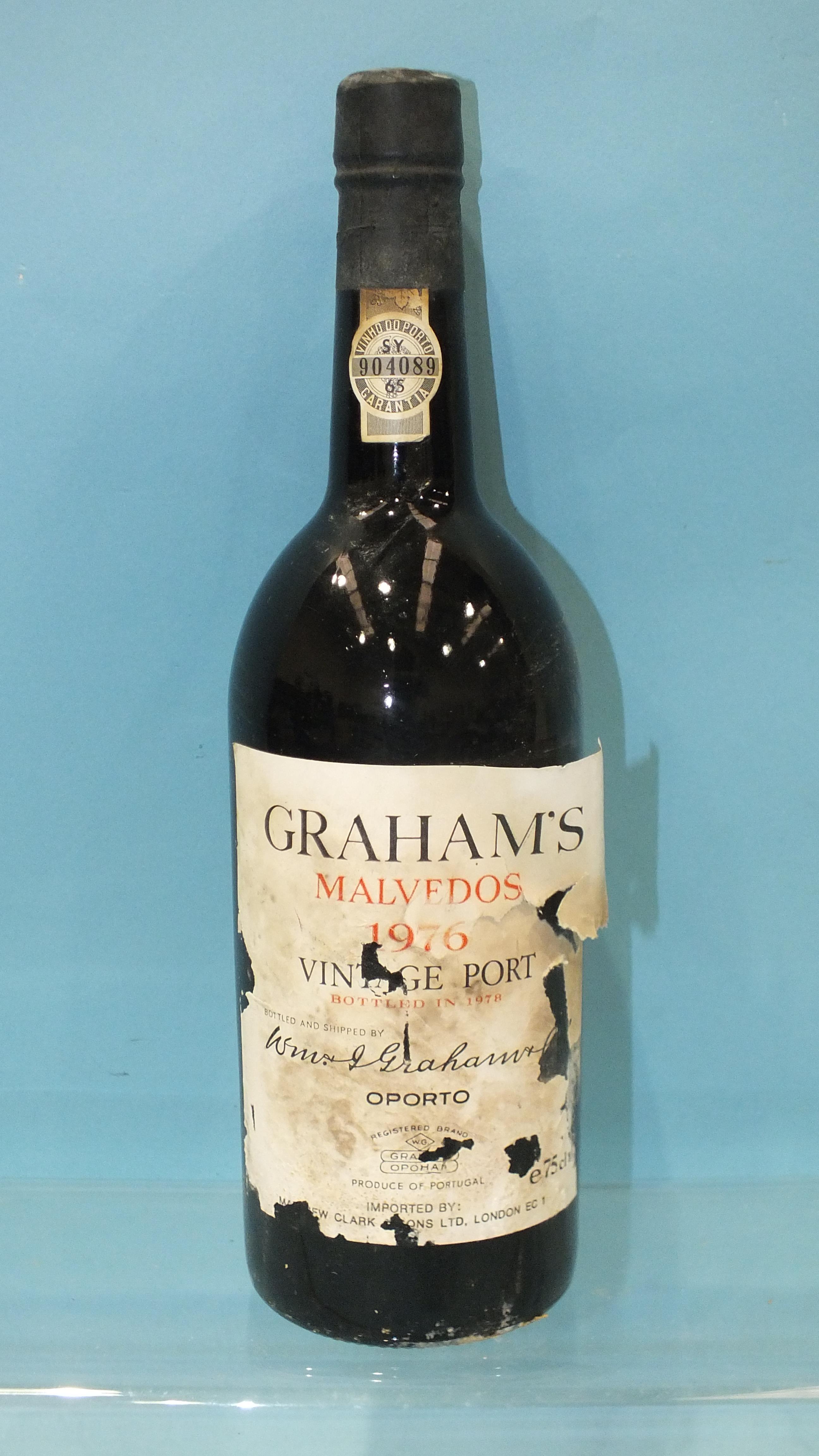 Grahams Valvedos vintage Port 1976, one bottle, (label damaged).