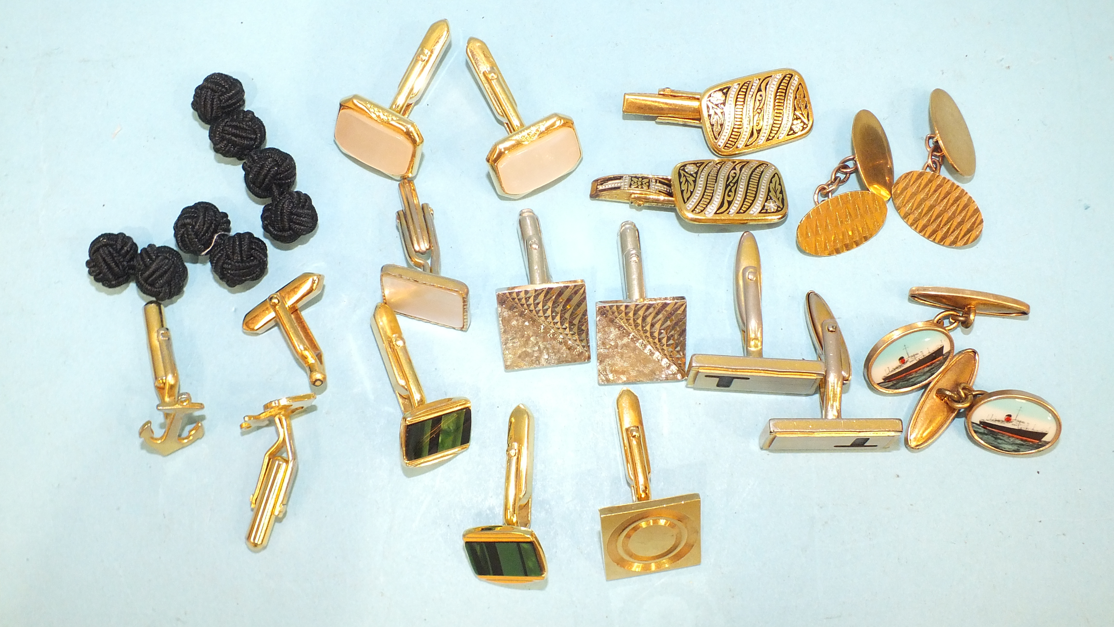 A pair of 9ct gold plain oval cufflinks, 5.3g and other metal cufflinks. - Image 2 of 2