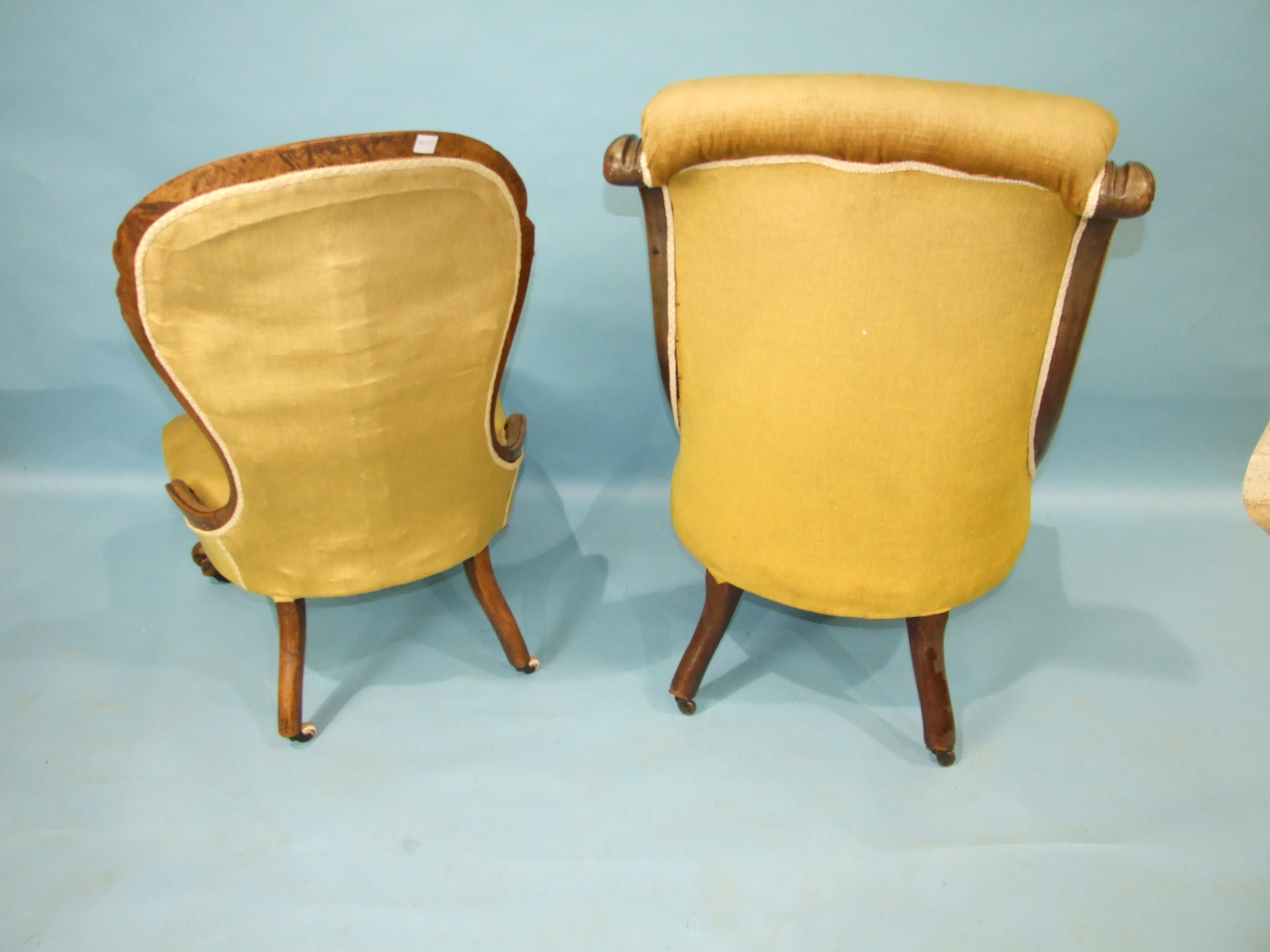 A Victorian mahogany low salon chair with buttoned back and serpentine seat, on carved and turned - Image 2 of 3