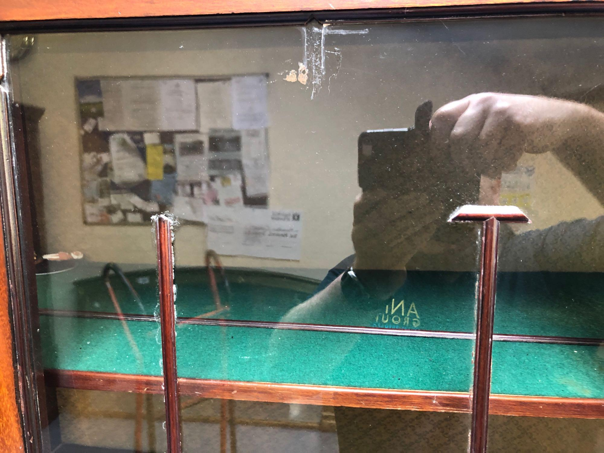 INLAID GLASS DISPLAY CABINET(AF) - Image 3 of 5