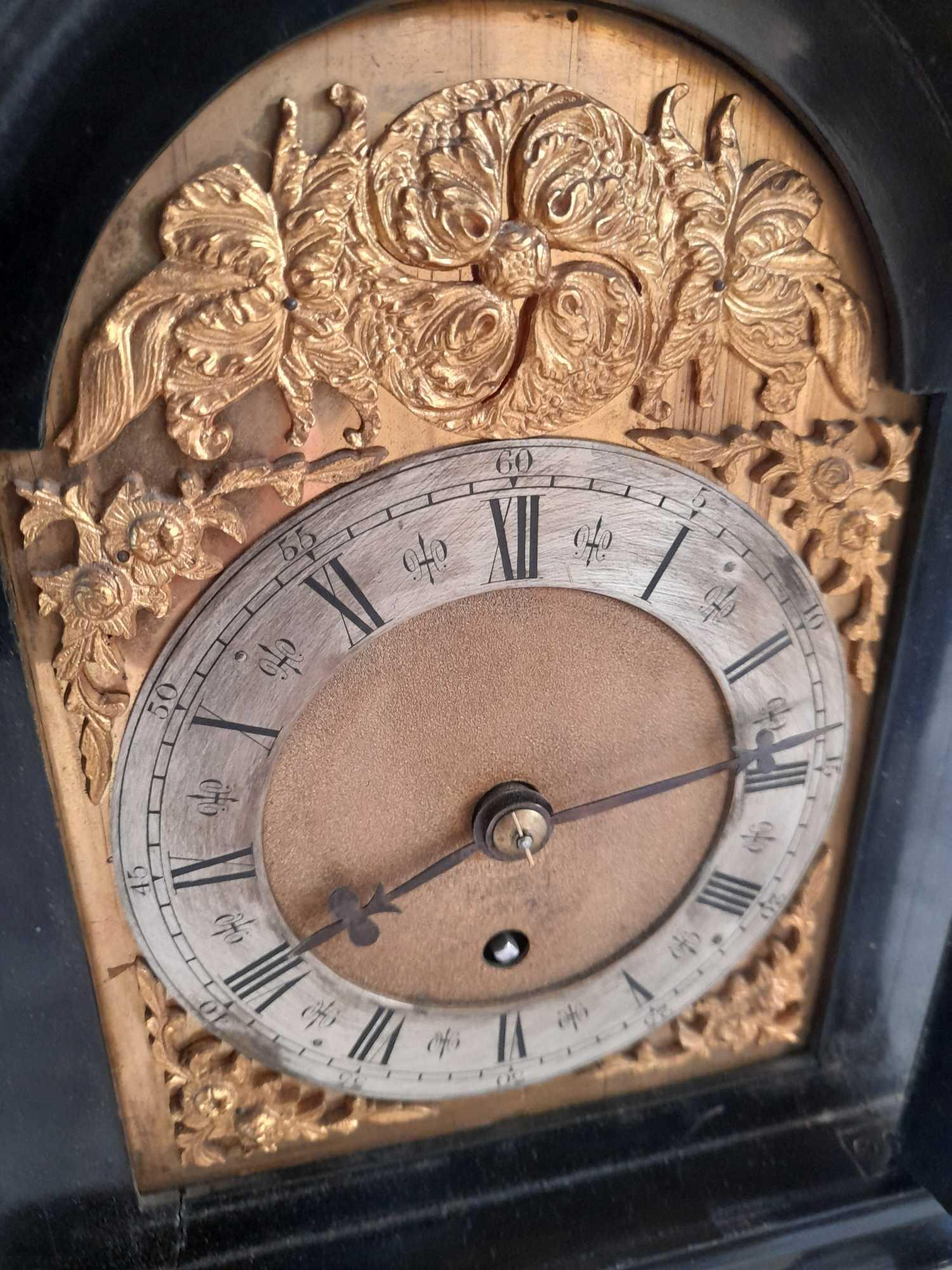 DENT LONDON SMALL CLOCK- ENGINE TURNED INTERNAL PLATES - Image 5 of 9