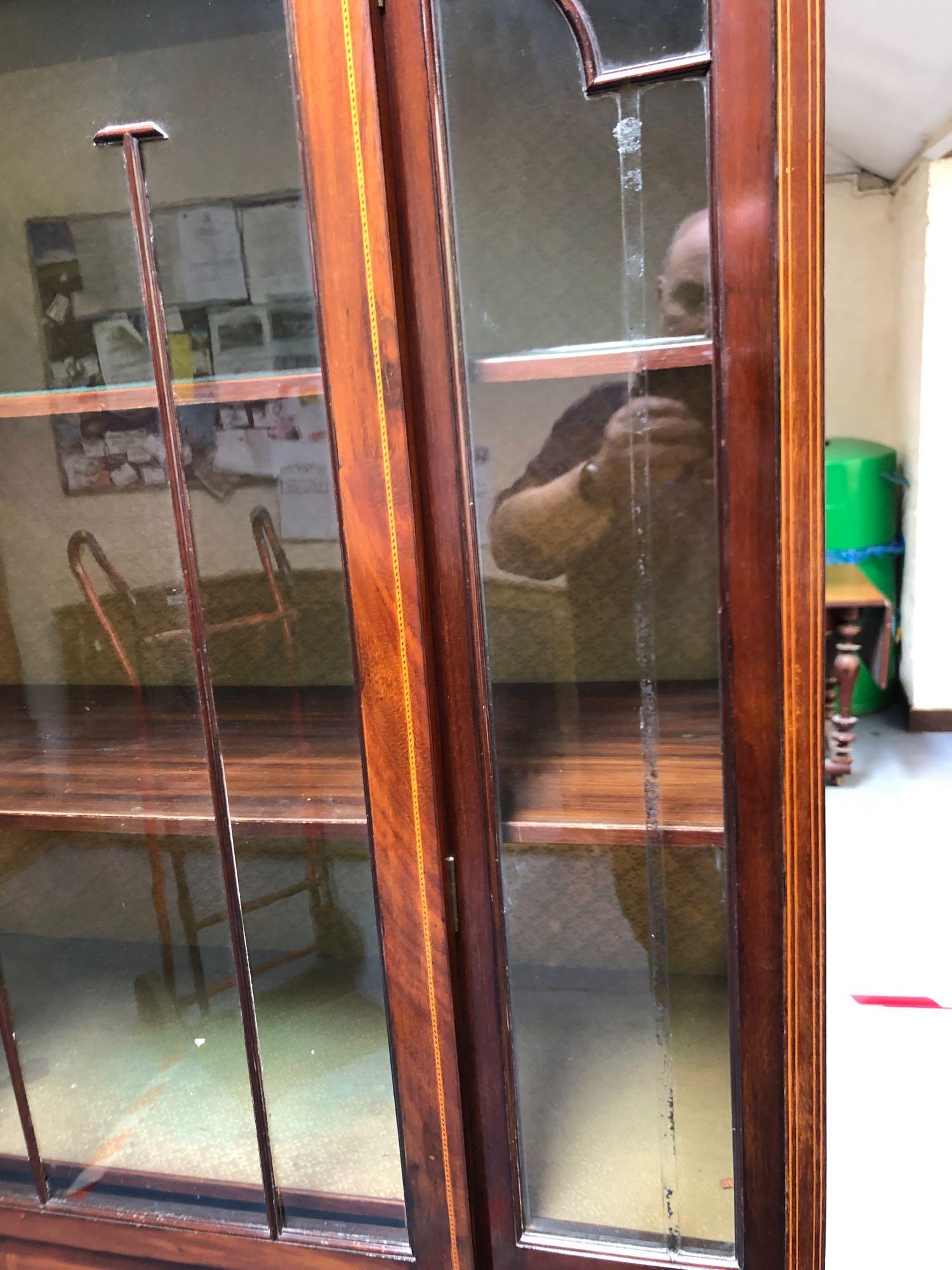 INLAID GLASS DISPLAY CABINET(AF) - Image 4 of 5