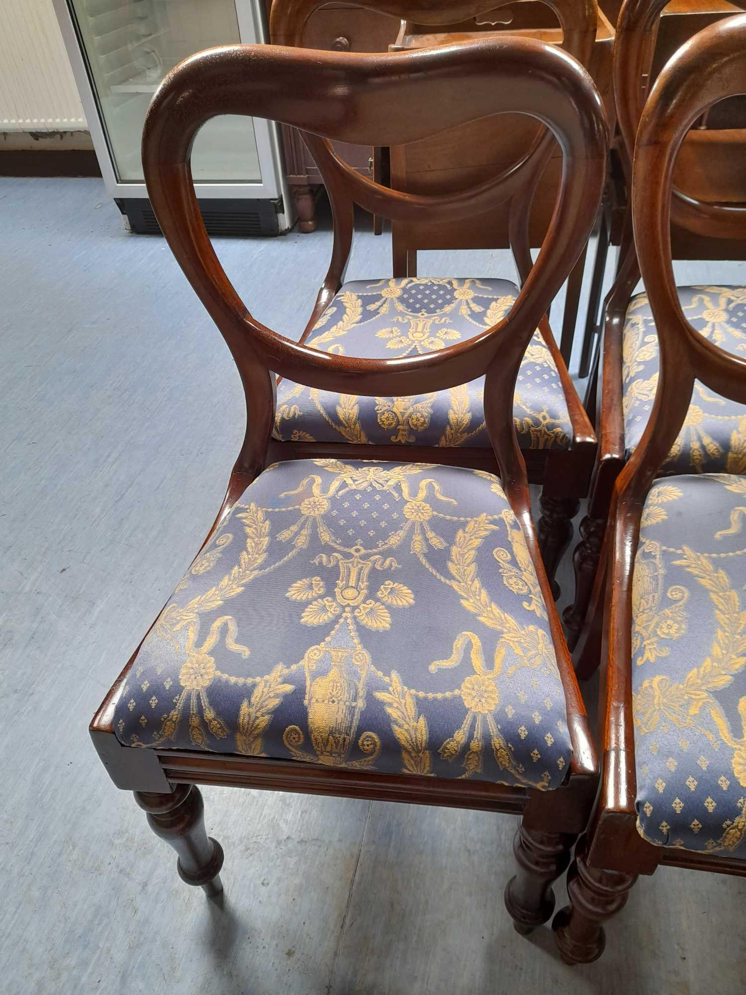 8 VICTORIAN MAHOGANY DINING CHAIRS - Image 3 of 3
