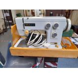READ'S SEWING MACHINE