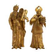 ZWEI KLEINE HOLZFIGUREN18./19. Jh., Holz, geschnitzt und vergoldet, Moses mit dem nach