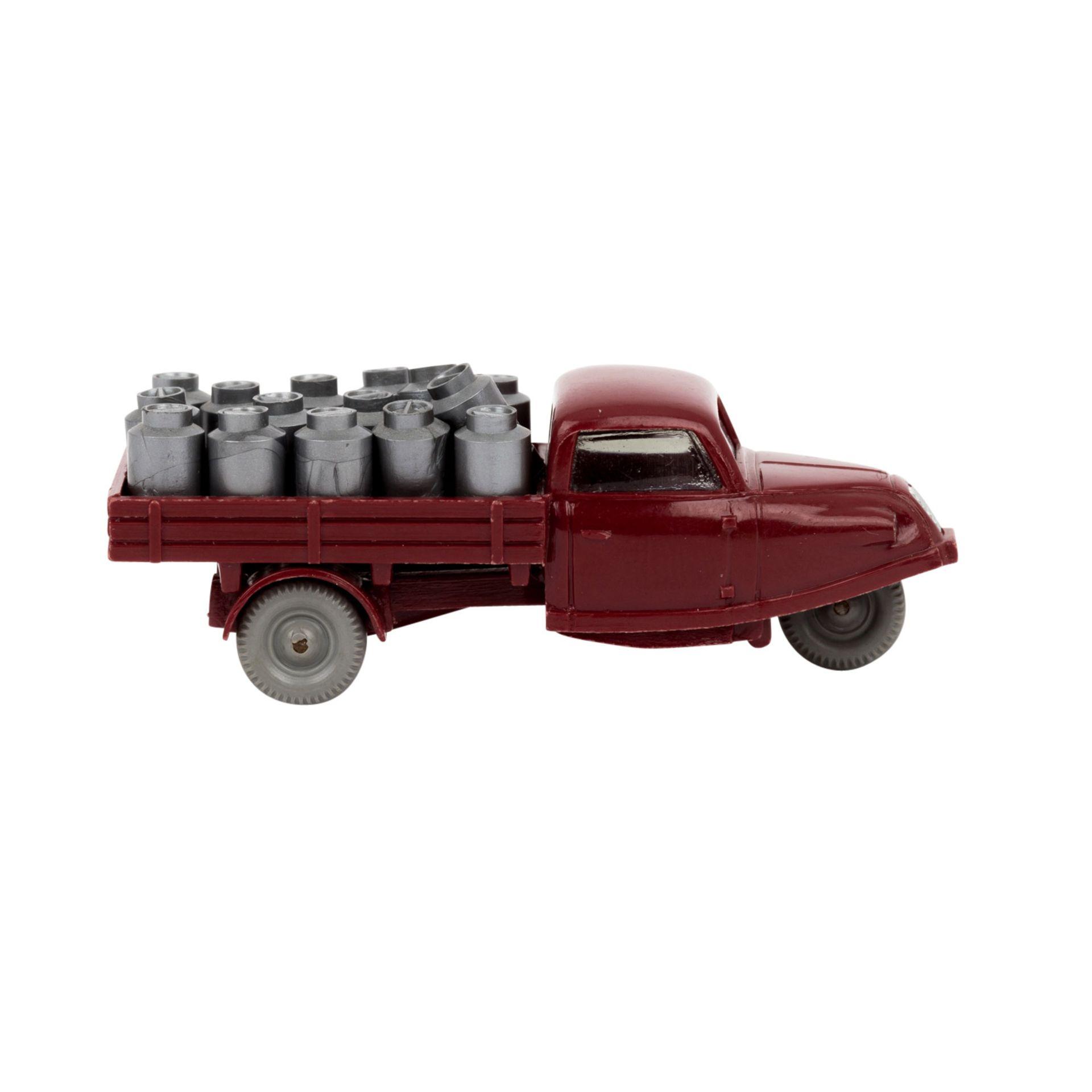 """WIKING Goli-Dreiradwagen 1959-64,weinrote Karosserie, Bodenprägung """"WM"""" , Grill, Sche - Image 4 of 6"""