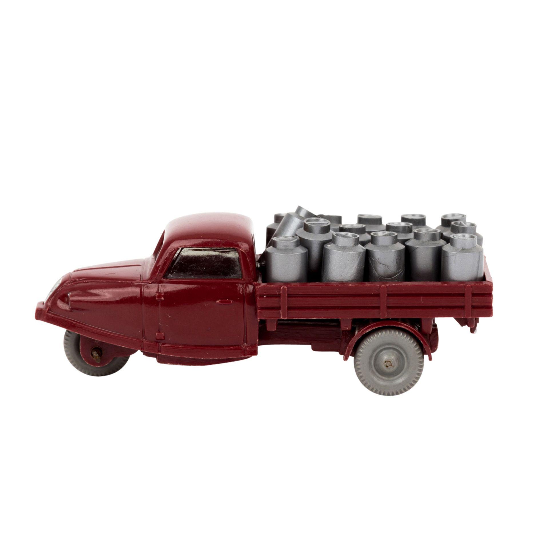"""WIKING Goli-Dreiradwagen 1959-64,weinrote Karosserie, Bodenprägung """"WM"""" , Grill, Sche - Image 2 of 6"""
