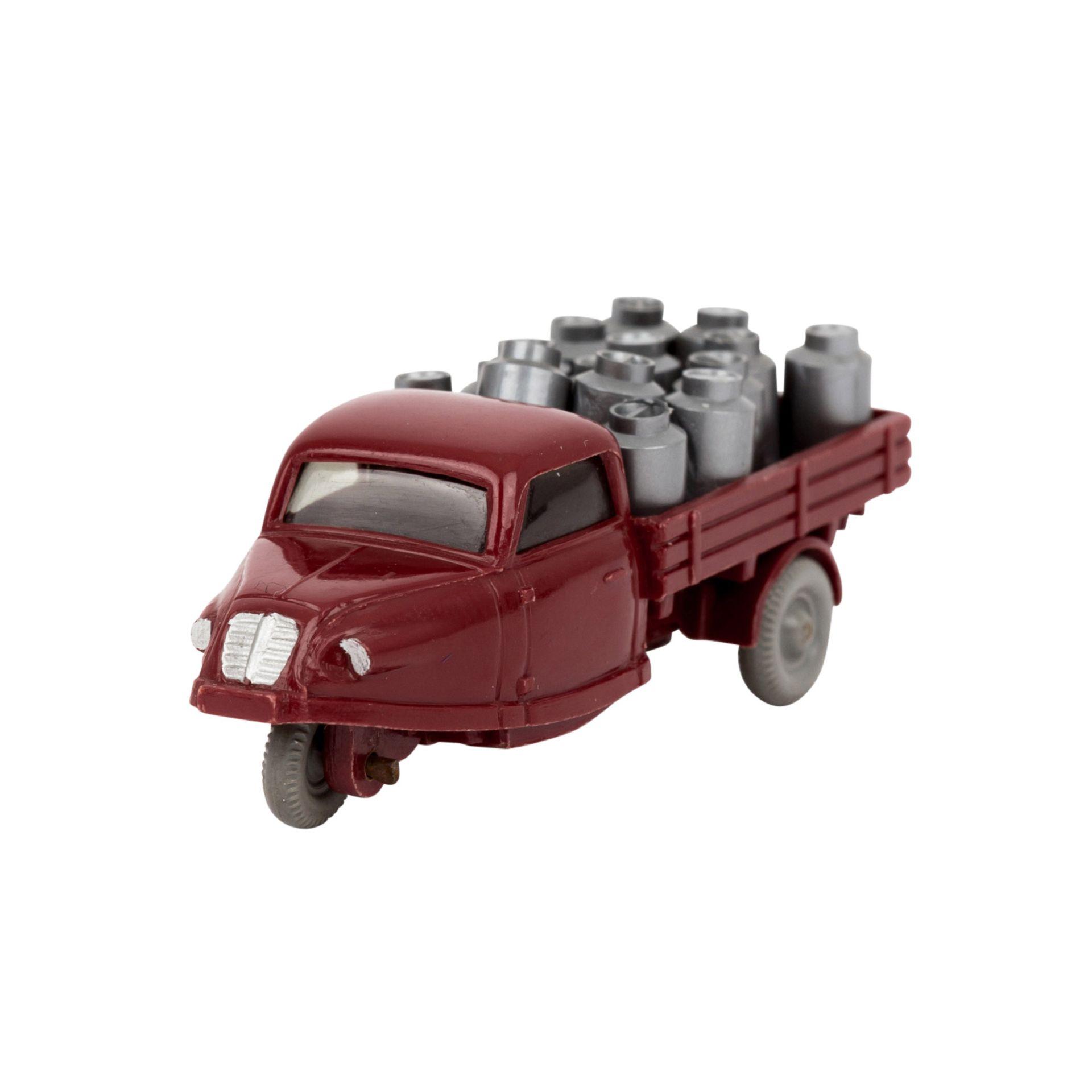 """WIKING Goli-Dreiradwagen 1959-64,weinrote Karosserie, Bodenprägung """"WM"""" , Grill, Sche"""
