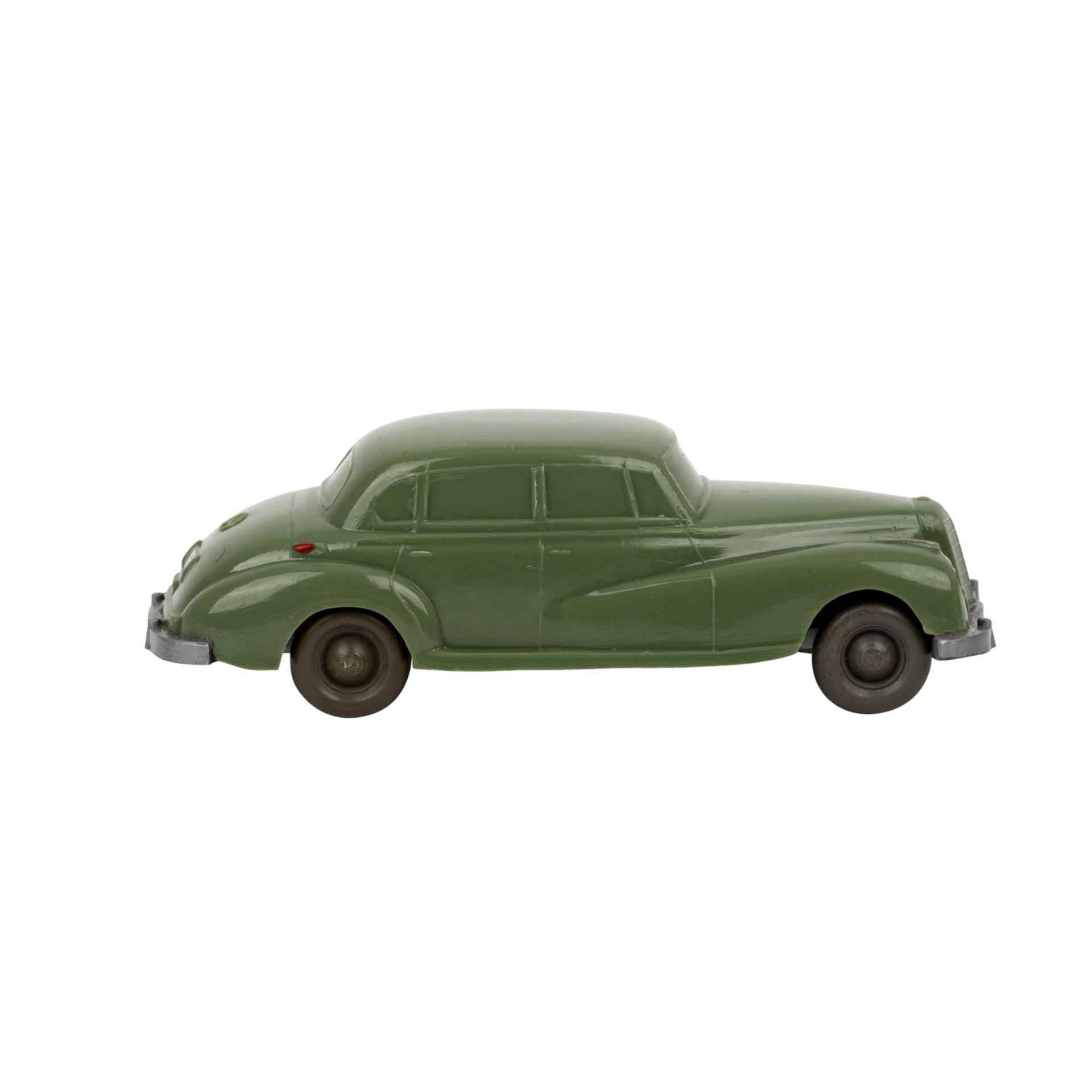 WIKING Mercedes 300, 1955-59,unverglaster Rollachser, resedagrüne Karosserie, Bodenpr - Image 4 of 5
