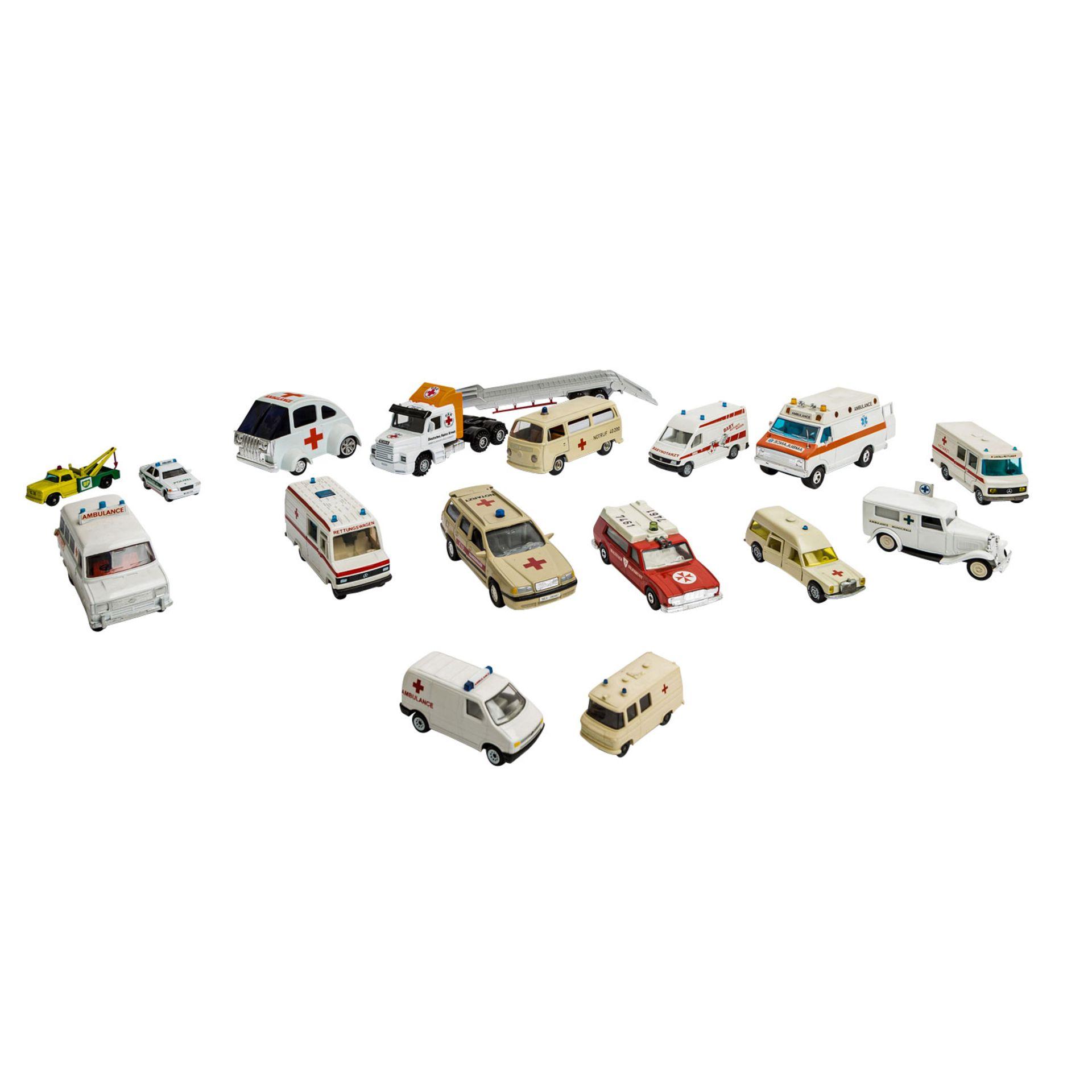 MATCHBOX/WIKING/HERPA u.v.a. Konvolut von ca. 100 Rettungsdienst-Modellfahrzeugen im Maßstab 1:87 bi - Image 2 of 7
