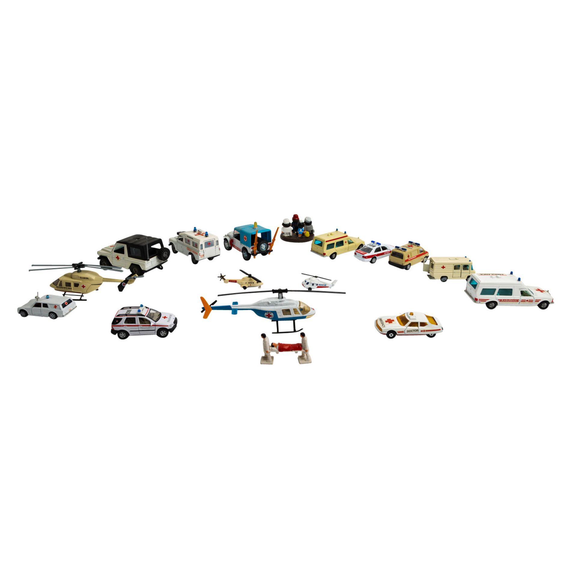 MATCHBOX/WIKING/HERPA u.v.a. Konvolut von ca. 100 Rettungsdienst-Modellfahrzeugen im Maßstab 1:87 bi - Image 5 of 7